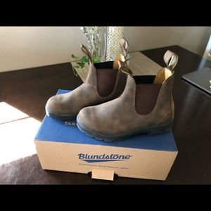 585 Blundstone Boots Rustic Brown